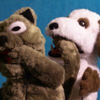 Marionetas de gato y perro