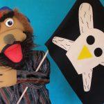 Muñeco con bandera pirata